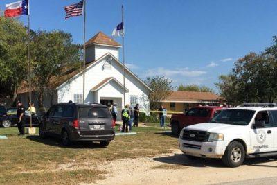 FOTOS + VIDEO  Tiroteo al interior de una iglesia en Texas deja al menos 27 muertos