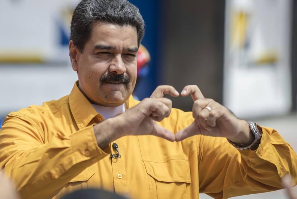 VIDEO | Maduro lanza su candidatura por Facebook Live y venezolanos lo llenan de insultos