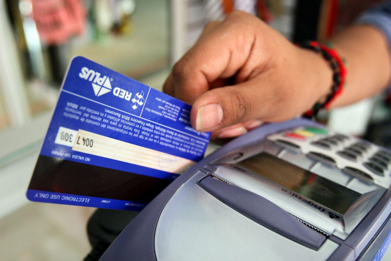 FOTO  Denuncian a La Polar por usar la ley de redondeo en pago con tarjeta