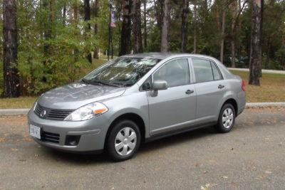 Nissan lanza alerta de seguridad por modelos Tiida y Navara vendidos en Chile