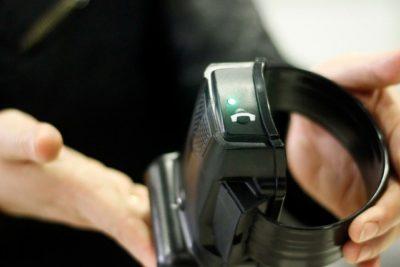 Solicitan a Contraloría investigar millonaria licitación de tobilleras electrónicas