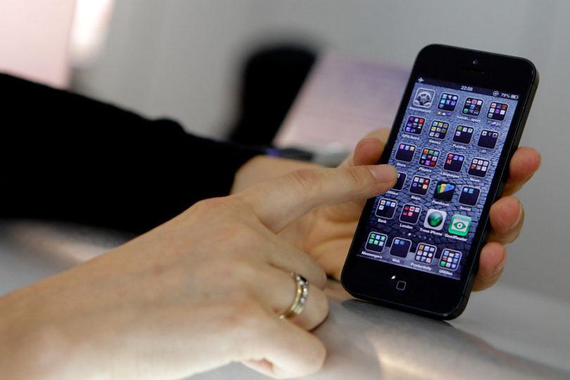 Apple anuncia rebajas a sus clientes tras reconocer que volvía sus iPhone más lentos