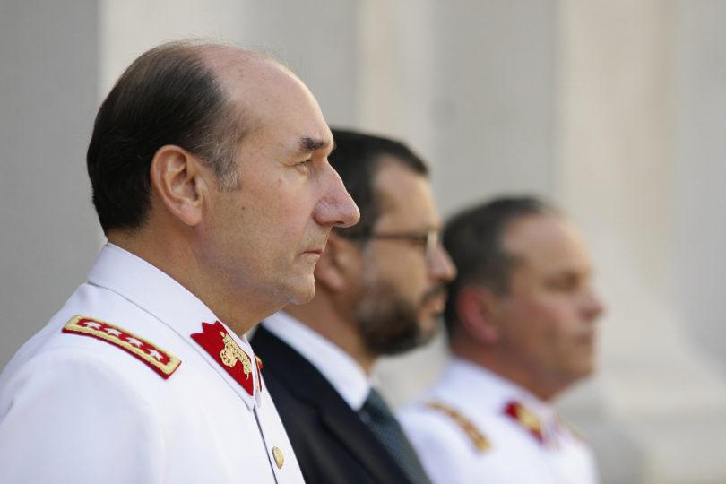 CDE se querelló por fraude al Fisco contra el ex comandante Fuente Alba tras cuestionada compra de avión