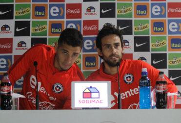 """El mensaje de Valdivia para """"seducir"""" a Carlos Carmona a fichar por Colo Colo"""