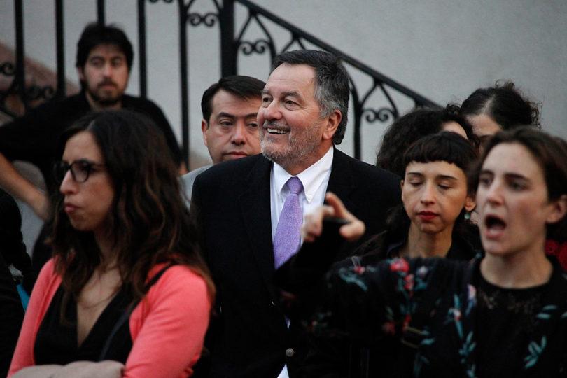 El trauma ideológico de Roberto Ampuero