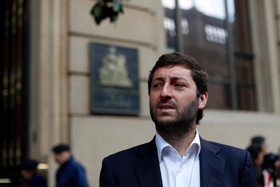 Diputado Coloma denuncia votos marcados a favor de Guillier en tres comunas