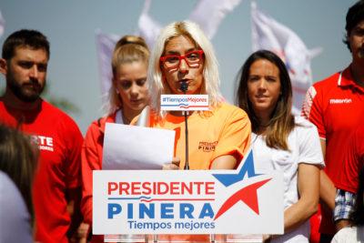Erika Olivera solidariza con Karol Cariola y Farcas explota contra el PC