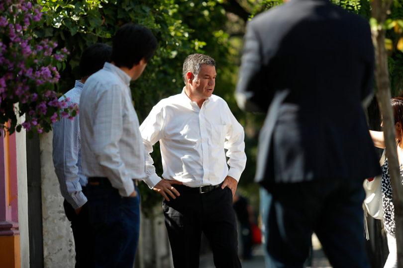 """Ossandón incendia el comando de Piñera: """"Mientras más hablen Felipe y José Antonio Kast, es peor para la campaña"""""""
