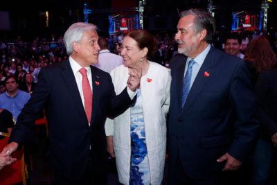 VIDEO | Qué se dijeron Piñera y Guillier antes de que comenzara la transmisión oficial de la Teletón
