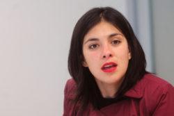 """""""La gente rubia"""", """"conciencia de clases"""" y la """"falta de unidad"""": el análisis de Karol Cariola para el triunfo de la derecha"""