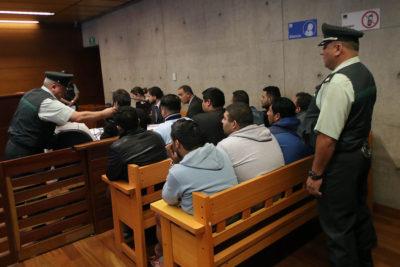 Taxistas acusados de incendiar buses del Trasantiago arriesgan 10 años de cárcel