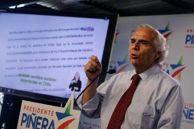 """Comando de Sebastián Piñera exige disculpas públicas a Guillier por """"mensaje subliminal"""" en franja"""