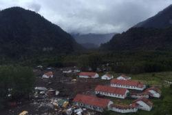 VIDEOS | Primeros registros aéreos que muestran la magnitud de la catástrofe en Chaitén