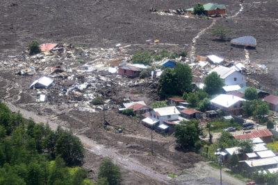 Sernageomin explica con peras y manzanas por qué ocurrió el aluvión en Villa Santa Lucía