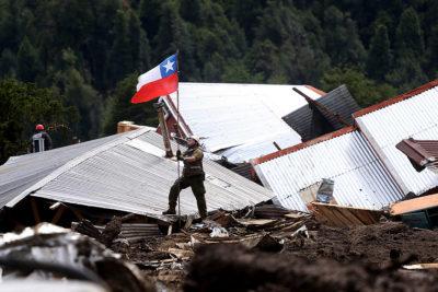La Moneda resuelve el traslado definitivo de Villa Santa Lucía y la entrega de aportes a los afectados