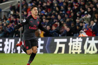 VIDEO | Alexis Sánchez despide el 2017 anotando para el Arsenal y festejando con sus compañeros