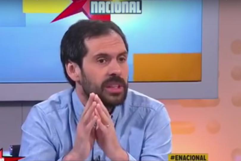 """Nicolás Grau: """"Lo que lamentablemente no se ha corregido con la edad es la homofobia de Piñera"""""""