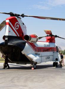 Megahelicóptero Chinook combatió incendios en las cercanías de Cabrero