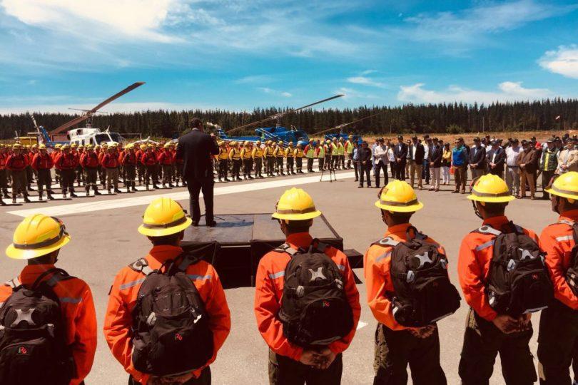 Más de mil personas y 20 aeronaves combatirán incendios en la zona centro-sur