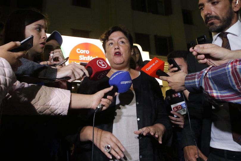 Apoyo de Beatriz Sánchez a Guillier genera molestia al interior del Frente Amplio