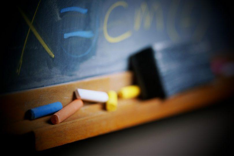 Incrementarán sueldo de asistentes de la educación en Valdivia