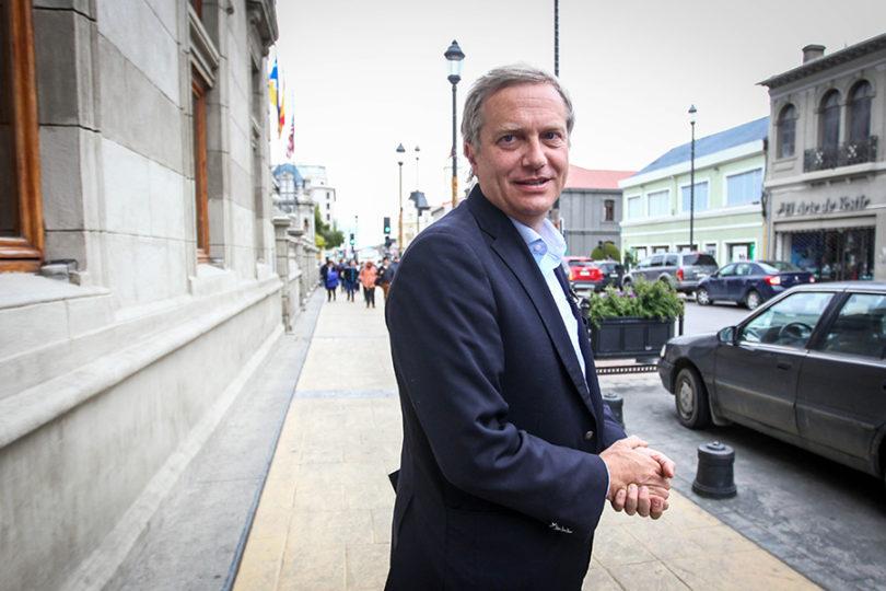 """José Antonio Kast lanza teoría de """"intervención"""" del Gobierno en las elecciones que vincula a Dávalos"""