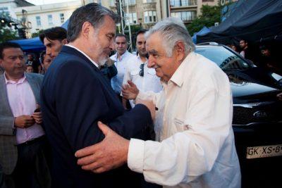 """Pepe Mujica: """"Chile tiene un dilema muy importante. Está en juego el futuro"""""""