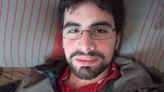 """Conocido youtuber chileno Vardoc trata de """"maraca"""" a su ex pareja durante transmisión en vivo"""