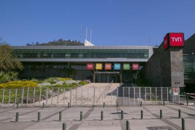 """""""Es una grave irresponsabilidad"""": la declaración de TVN tras la renuncia de la mitad del directorio"""