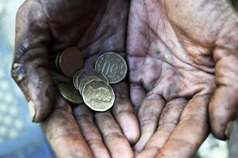 Cómo salir de la pobreza