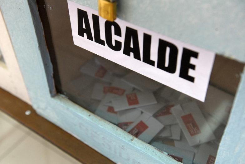 Al igual que en las presidenciales: senadores buscan instaurar la segunda vuelta en elecciones municipales