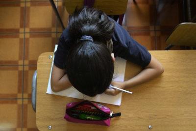El 12% de los chilenos no termina la educación media