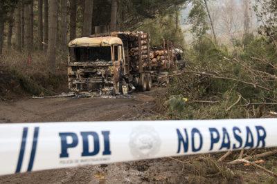 Fiscalía confirma nuevo ataque incendiario en la región de Los Ríos