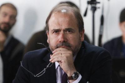 """Ministro Undurraga quiere competir por presidencia DC con """"mesa de unidad"""" que rompa con """"grupos internos"""""""