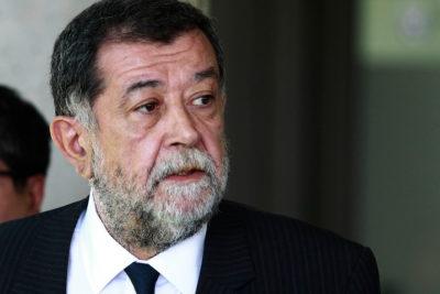 Gobierno mantendrá a Villalobos en medio de escándalo por Operación Huracán