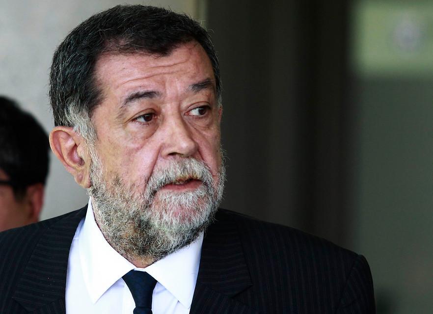 Gobierno mantiene a Villalobos en medio de crisis por Op. Huracán