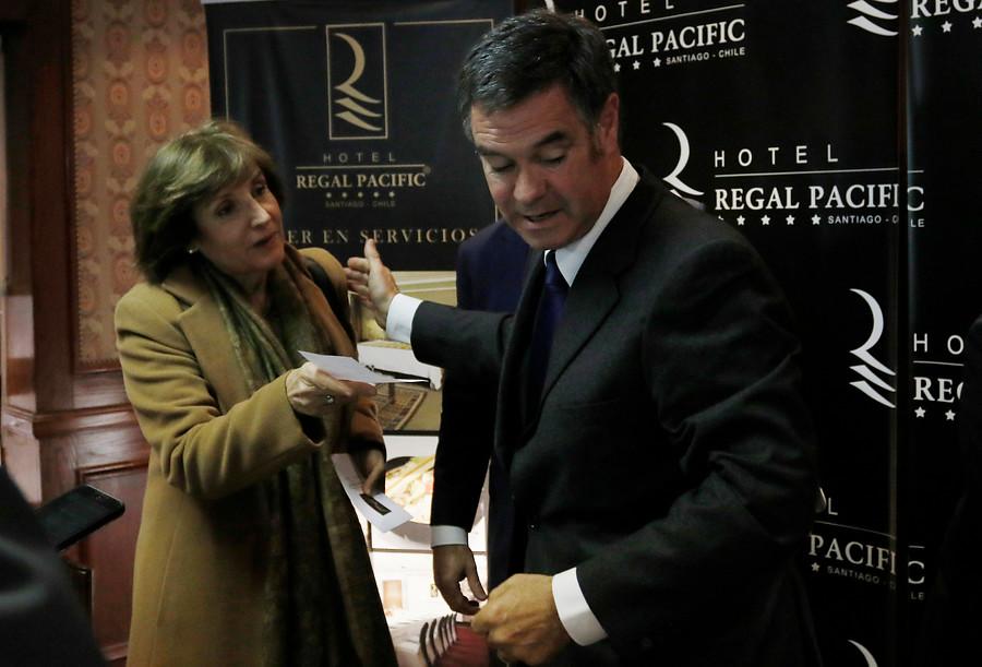 Radio Agricultura sancionada por impasse Molina-Ossandón