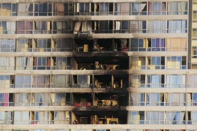 """Bomberos tras incendio en gueto vertical: """"Los edificios de la RM son una bomba de tiempo"""""""