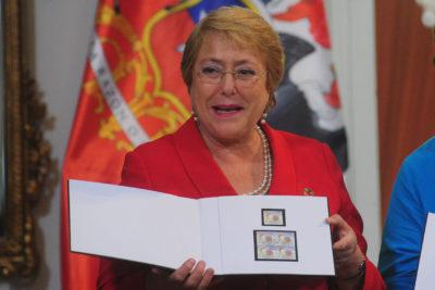 Bachelet acepta cargo internacional en la OMS como sucesora de esposa de Mandela