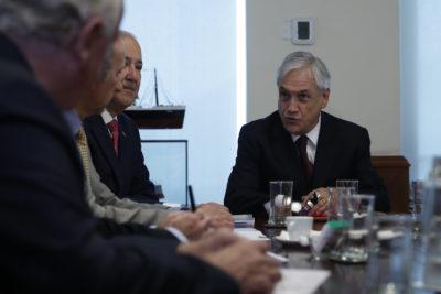Piñera confirma que mantendrá equipo que defiende a Chile en La Haya