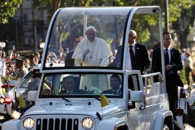 """Papa Francisco en la PUC: """"Es indispensable prestar atención a los pueblos originarios"""""""