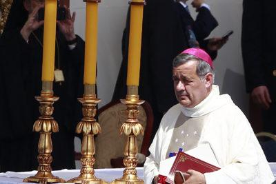"""Obispo Goic por Barros: """"Me dejó un sabor amargo que ocupara un rol protagónico que no fue bueno"""""""