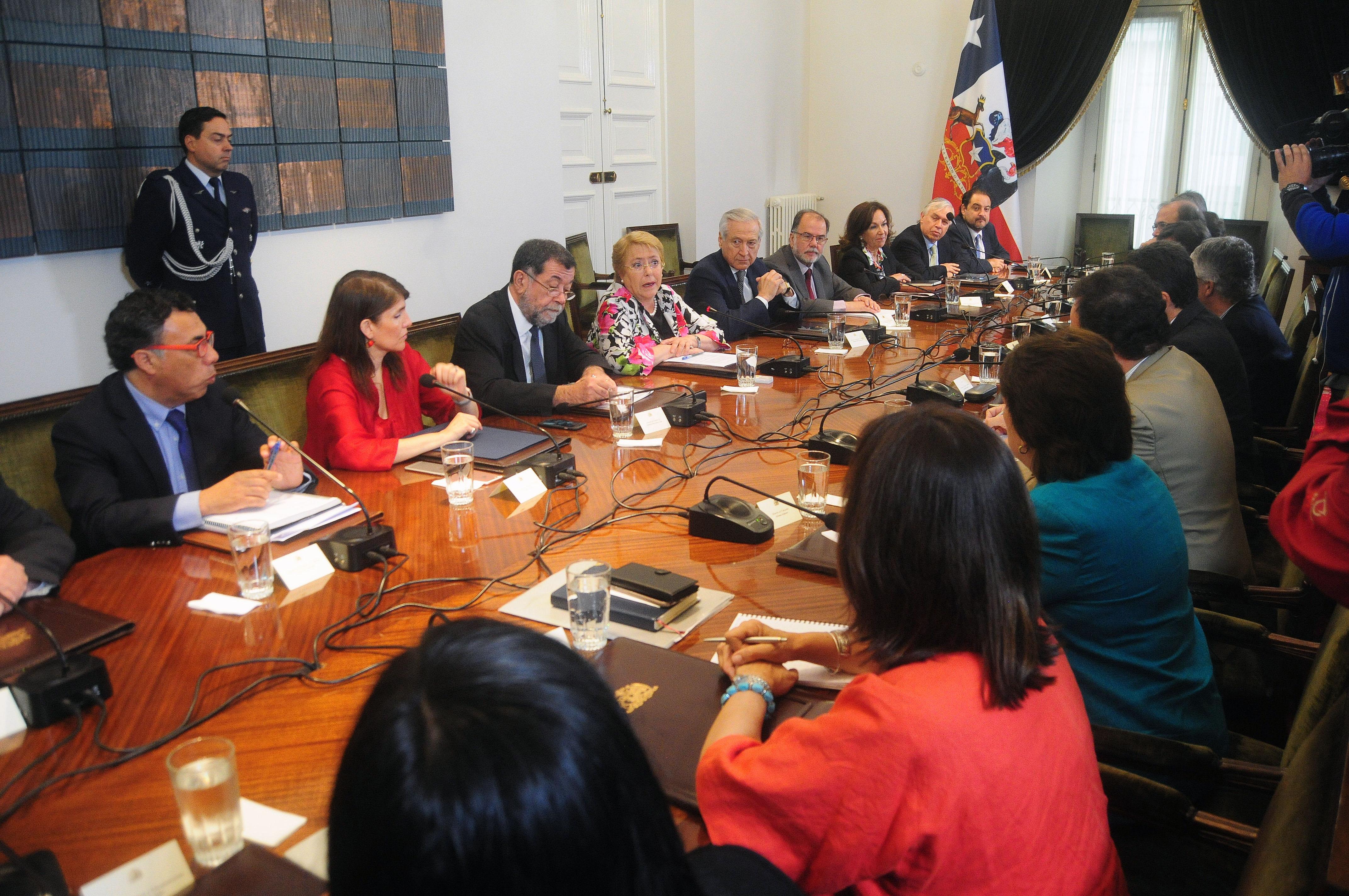"""""""Bachelet a sus ministros: """"Nuestra obligación es gobernar hasta el último día"""""""""""