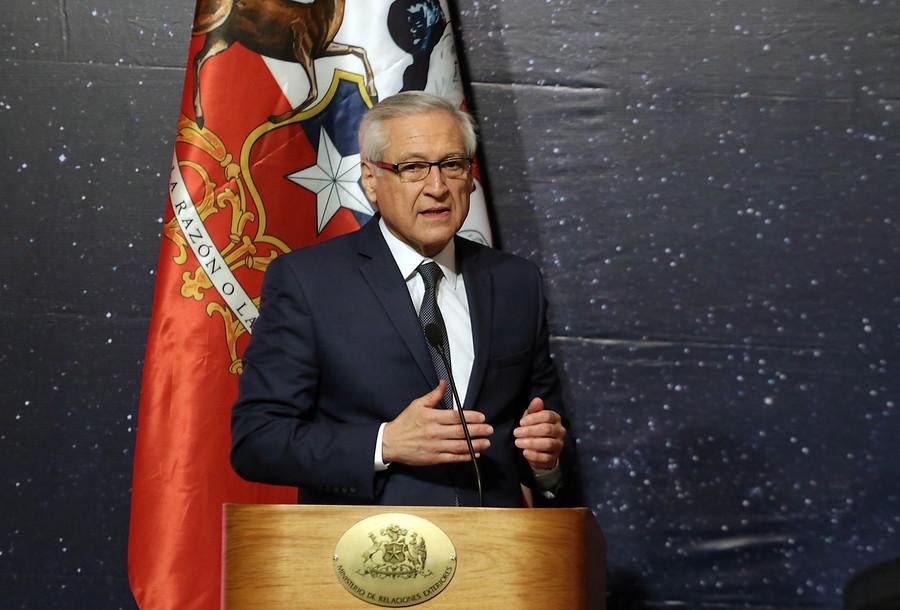 """""""Chile suspende de manera indefinida su participación en diálogo en Venezuela"""""""