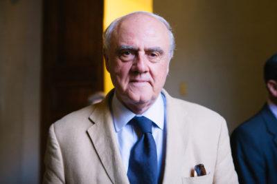 Premio Nacional de Humanidades Agustín Squella explica por qué Chile no es un país laico