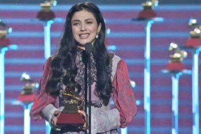 """VIDEO   """"You should know me, Mon Laferte"""": la esperada presentación de la artista chilena en Billboard"""