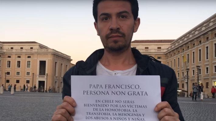 VIDEO | Movilh rechaza ser parte de ceremonia de bienvenida al Papa en La Moneda