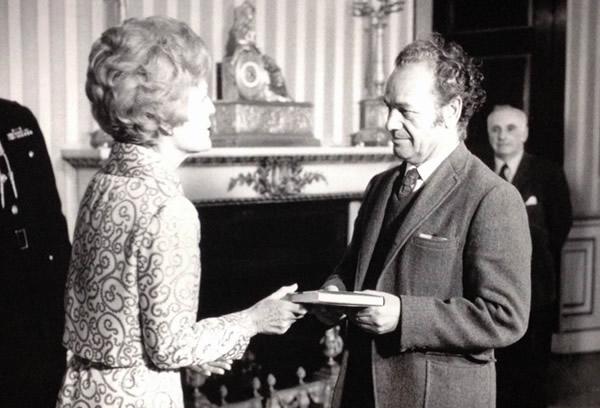 """""""Nicanor Parra y el té en la Casa Blanca (con Nixon a la cabeza y en plena guerra de Vietnam)"""""""