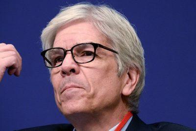 Economista jefe del Banco Mundial renuncia tras escándalo por alteración de ranking de Chile