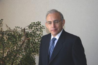 Quién es el economista ligado al Banco Mundial mencionado en reportaje sobre manipulación de cifras